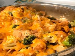broccoli and chicken cheesy cauliflower rice