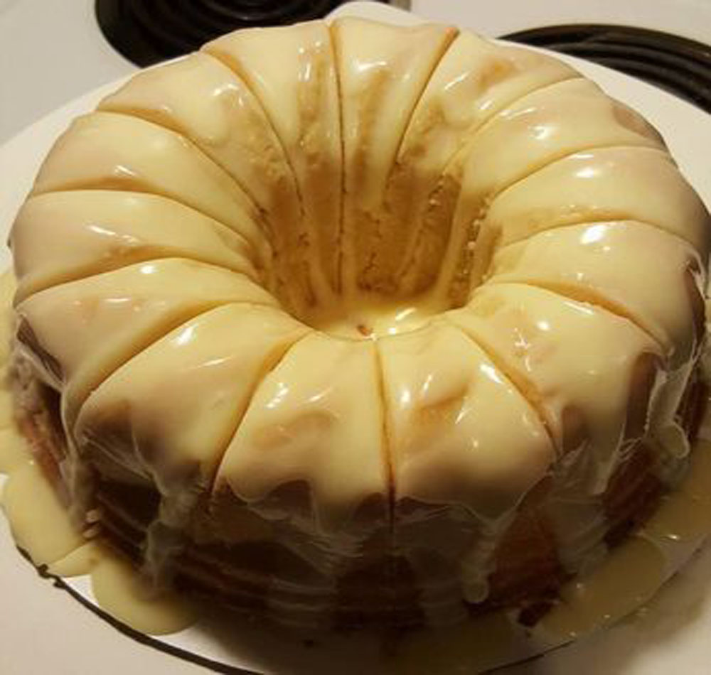 VANILLA BUTTERMILK POUND CAKE