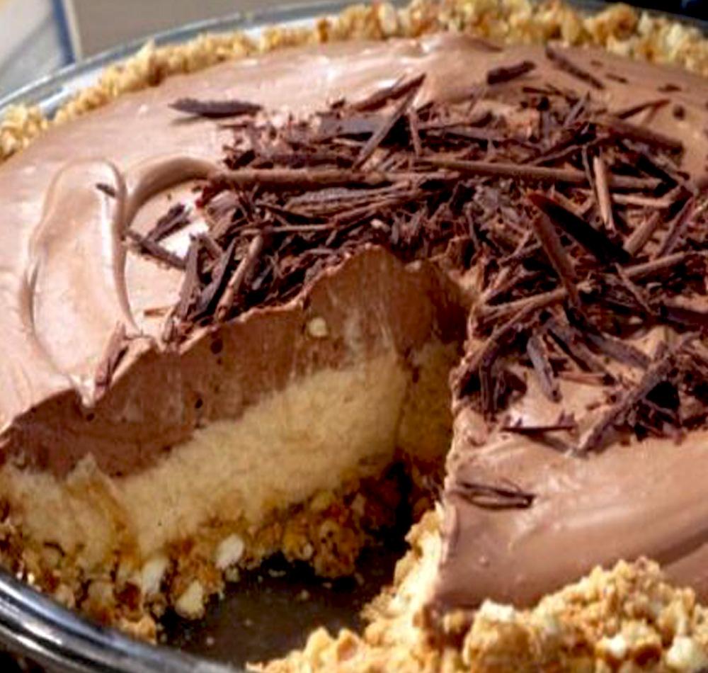 No Bake Cream Cheese Peanut Butter Pie