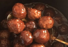 Crockpot BBQ Grape Jelly Meatballs
